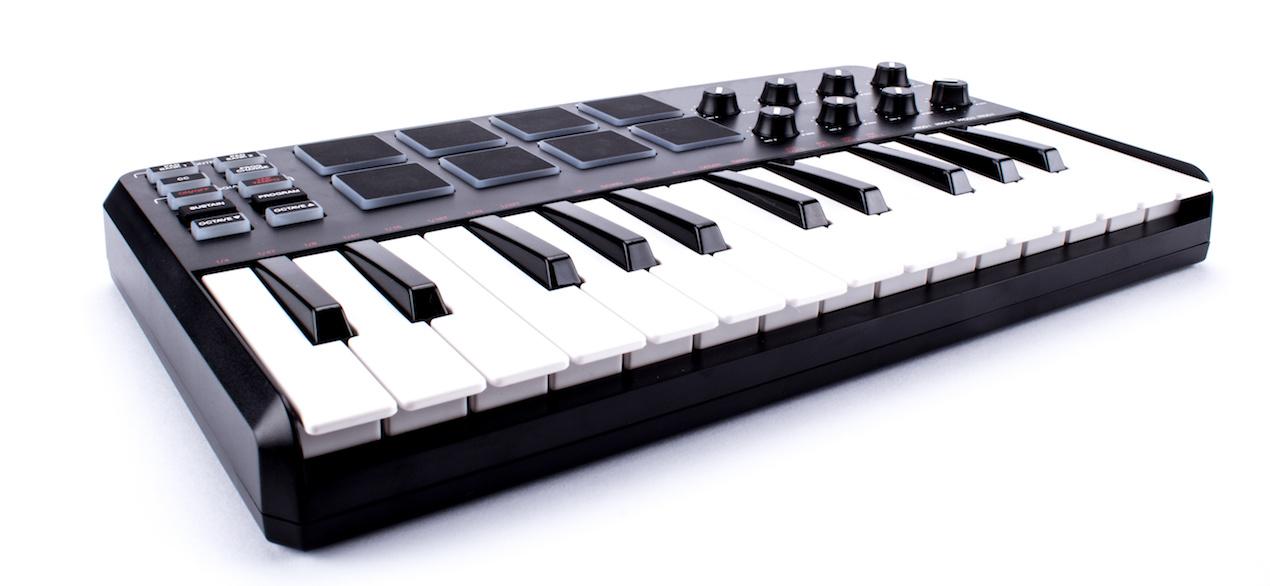 MIDIキーボード iOSでの音楽制作